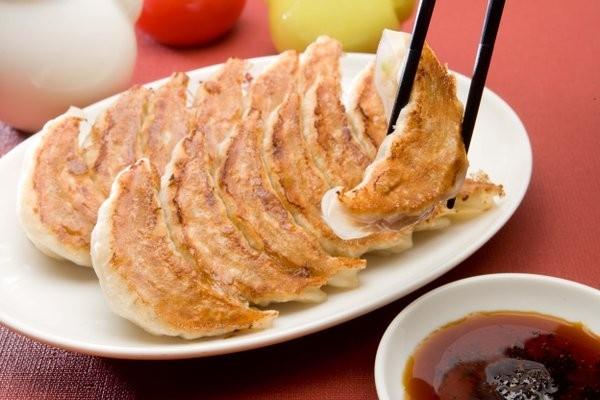 以煎餃、中華料理聞名的連鎖店「大阪王將」,預定9月底台灣開店。(圖擷取自大阪王將推特)