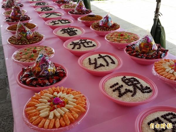 新竹縣北埔鄉慈天宮今天有專為幼年孤魂辦的「小孩子普」普渡儀式。(記者蔡孟尚攝)