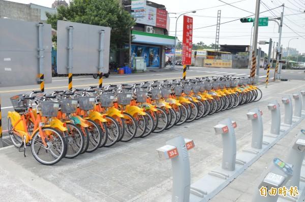 YouBike全台當機,桃園各據點單車集中保管到今天下午4點30分才恢復營運。(記者謝武雄攝)