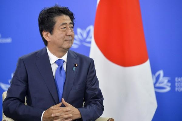 日本專文評析,萬一兩岸關係出現緊急事態,安倍政權將首當其衝。(美聯社)