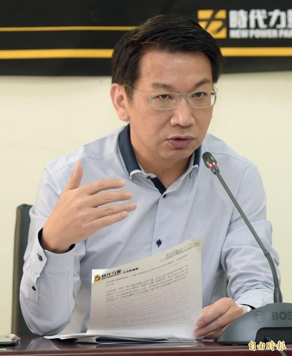 徐永明表示,這次年金改革會遇到那麼大的阻力,是因為蔡英文政府「真的有可能做成」。(資料照,記者黃耀徵攝)