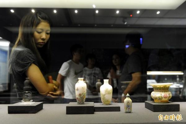 為增加遊客參觀意願,故宮在9月有條件開放攝影。(資料照,記者趙世勳攝)
