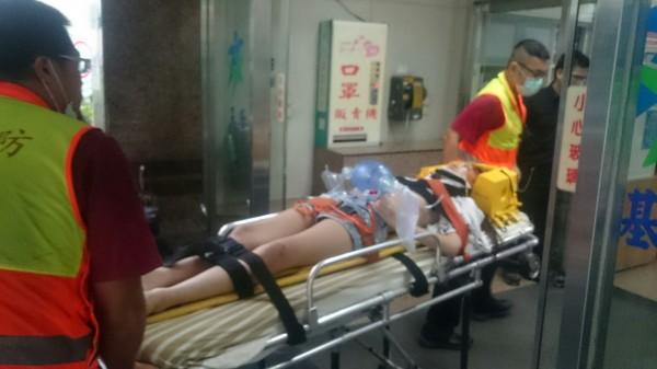 謝女被送醫救治時已經昏迷。(記者吳昇儒翻攝)