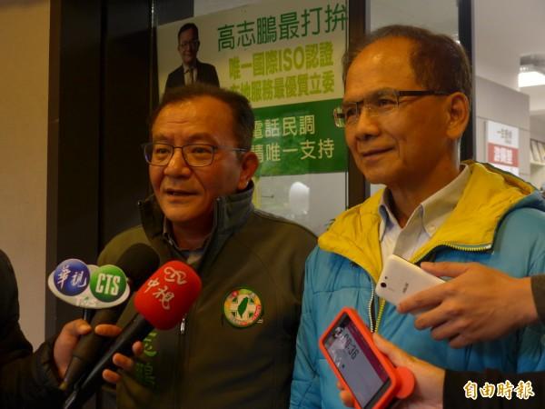 前行政院長游錫堃(右)昨晚出席立委高志鵬(左)舉辦的中秋晚會,當場在台上點名高志鵬接棒新北市長位置。(資料照,記者李雅雯攝)