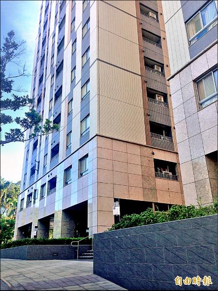 台北市公宅弱勢保障比例自10%調高為30%。圖為興隆公宅一期。(記者何世昌攝)