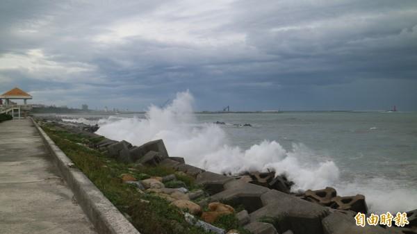強烈颱風莫蘭蒂襲台。(資料照,記者王錦義攝)