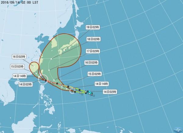 16號颱風馬勒卡目前距離台灣1800公里,強度依舊是輕颱。(圖取自氣象局)