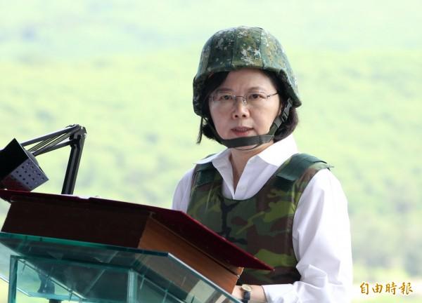 台灣指標民調昨公布最新民調,蔡英文總統的執政表現,有四十.八%滿意、四十一.八%不滿意。(資料照)