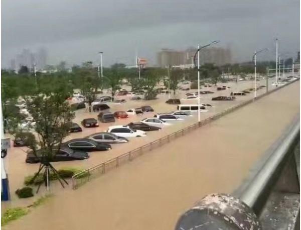 莫蘭蒂今天凌晨登陸中國福建省,造成當地慘重災情,廈門與泉州市甚至出現大規模停電。(圖截自中國網路)