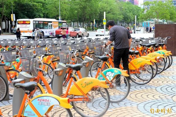 台北市交通局繼YouBike成功經驗,不但持續推動共享運輸,也推出「鄰里交通環境改善計畫」。(資料照,記者郭逸攝)