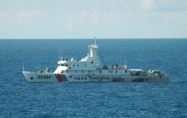 日本海上保安本部指出,4艘中國海警船侵入釣魚台周邊日本領海,逗留約1小時30分。(法新社)
