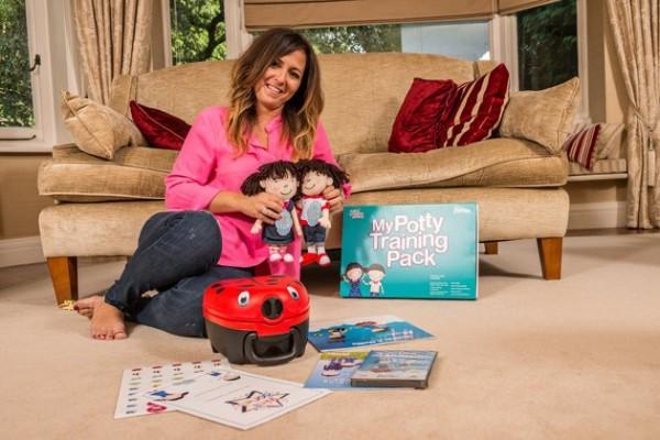 英國女子詹娜(Amanda Jenner)推出5天的教學,保證讓小孩子懂得自己上廁所,要價高達2000英鎊(約新台幣8萬3000元)。(圖擷自《哈芬登郵報》)