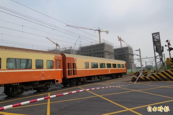 賴清德發表「給市民的一封信」,強調南鐵地下化工程,他不懼抹黑,努力完成重大建設。(記者蔡文居攝)