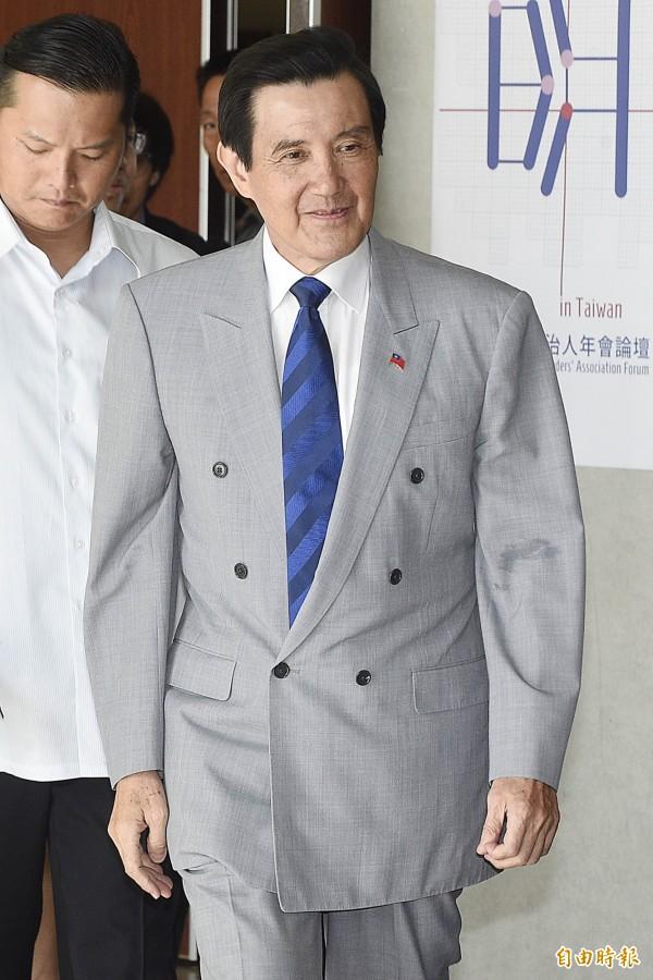 馬英九表示,因為申請赴港遭拒,所以只好到處遊山玩水,增加國內消費。(資料照,記者陳志曲攝)
