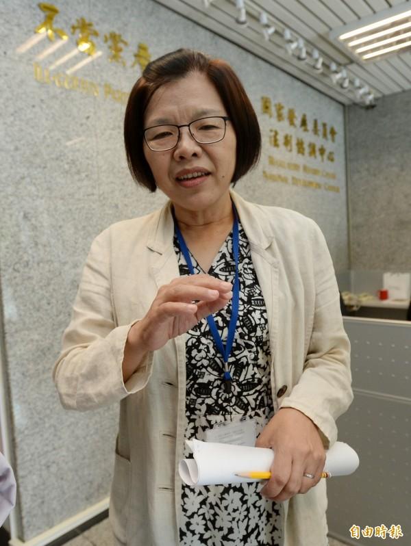 不當黨產委處理員會發言人施錦芳出面說明。(記者林正堃攝)