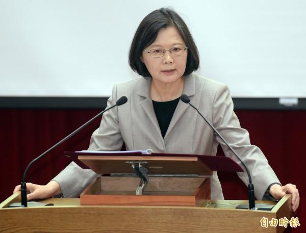 台灣民意基金會今天公布一份民調顯示,9月份民眾贊同蔡英文處理國政方式的支持度有44.7%,但比起8月則下滑7.6%。(資料照, 記者黃耀徵攝)