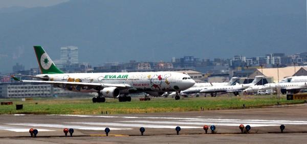 國際民航組織(ICAO)大會拒台灣於門外,外媒曾以台灣代表性的長榮航空公司作相關報導。(歐新社)