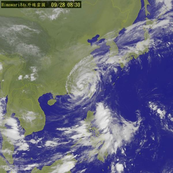 胖颱梅姬逐漸遠離台灣。(圖片取自氣象局)