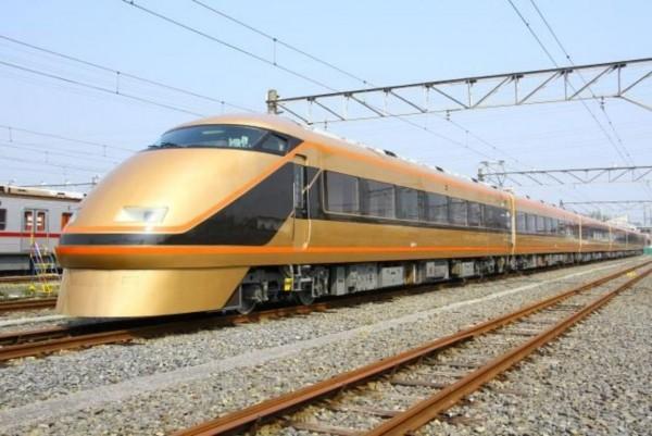 兩毛號「日光詣SPACIA」列車。(圖擷取自東武鐵道網站)