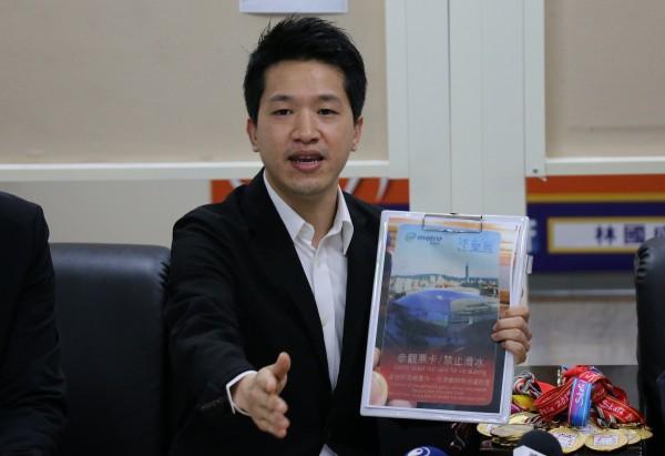 台北市議員何志偉(記者盧姮倩攝)