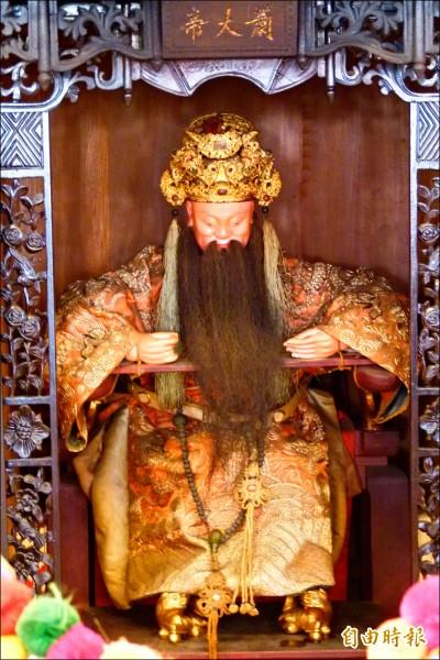 嘉義縣東石鄉先天宮鎮廟軟骨王爺蕭太傅金尊,據傳已有五百年歷史。 (記者蔡宗勳攝)