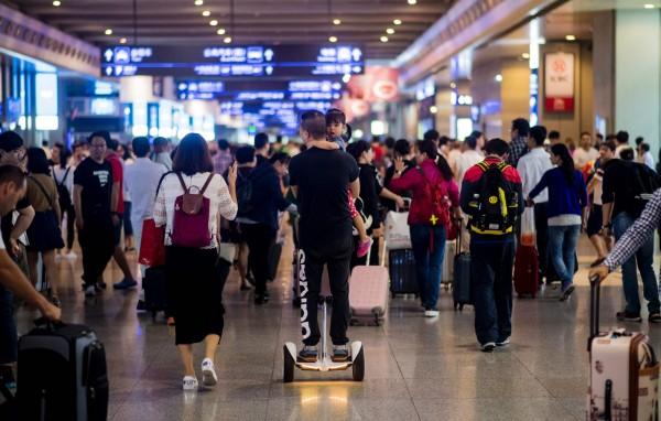 根據阿里旅行聯合「滴滴出行」在9月底發布一份調查,預測泰國成為中國民眾出國首選。(資料照,法新社)