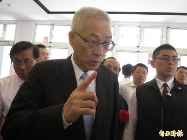前副總統吳敦義表示,看到國民黨主席洪秀柱說明沒刪一中各表「他就放心了」。(資料照,記者劉濱銓攝)