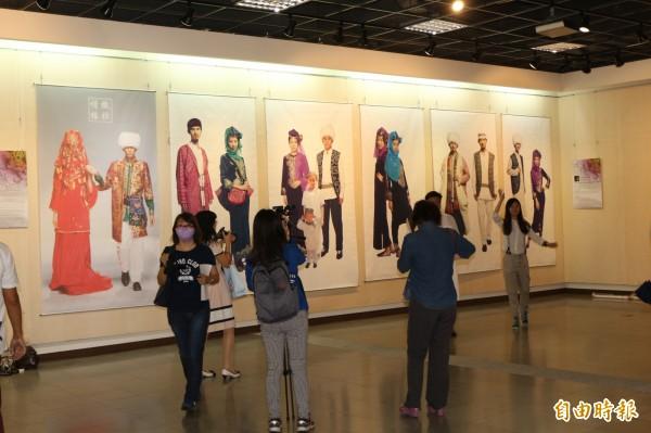 亞洲聯盟超越設計展,作品多樣性。(記者詹士弘攝)