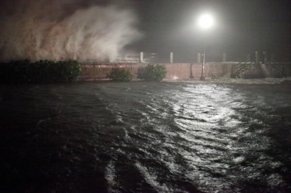 颶風馬修重創海地後,持續往北直撲佛羅里達州,美國總統歐巴馬也警告說馬修「非常危險」。(路透)