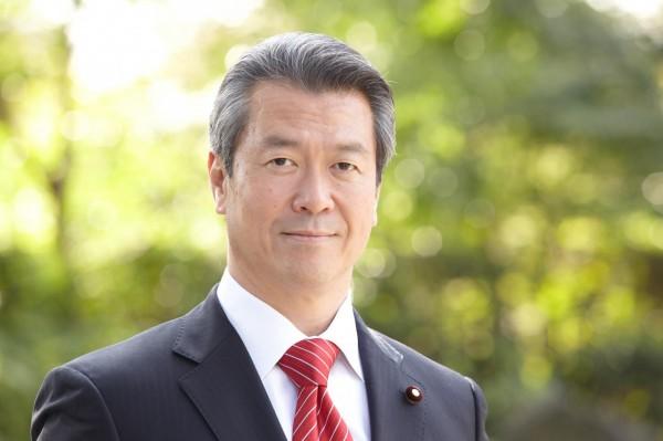 日本民進黨選舉對策委員長馬淵澄夫昨(8)日於奈良市的公開活動上指出,日本的國會議員當中,至少有10多人擁有雙重國籍。(圖擷取自Sumio Mabuchi臉書)