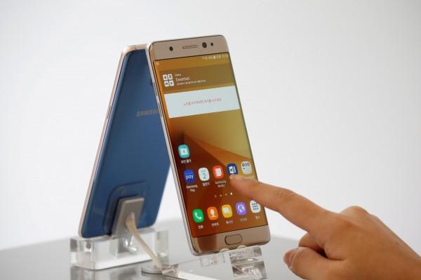 三星電子公司已暫停生產Note 7手機。(路透)