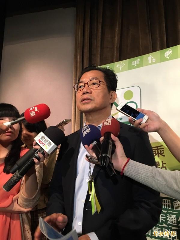 環保署長李應元表示,吳子嘉指控的都不對,麻煩他澄清。(記者楊綿傑攝)