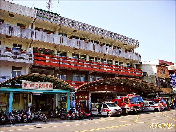 一樓為樹林消防分隊及衛生所,二樓為市民活動中心,三樓及四樓為圖書分館。(記者張安蕎攝)