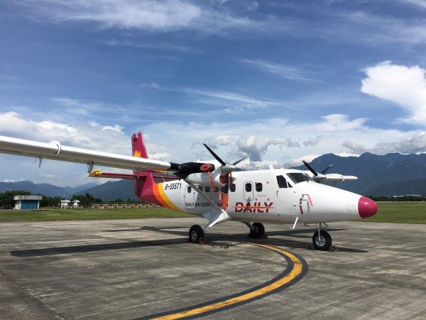 德安航空引進4架加達大DHC6-400型新機,明日起將有2架先飛航離島偏遠航線。(圖:民航局提供)