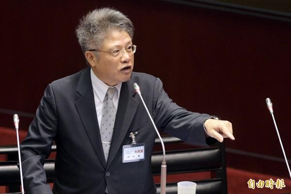 司法院大法官被提名人許志雄表示,黨產條例就是要實現轉型正義,若未處理,台灣的民主無法上軌道。(記者張嘉明攝)