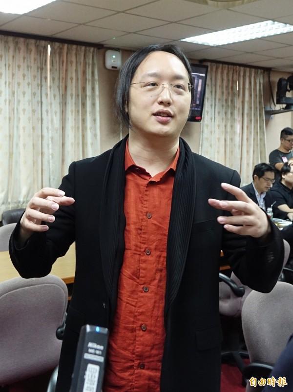 政務委員唐鳳向行政院長林全提出「遠距上班」概念引發討論。(資料照,記者劉信德攝)