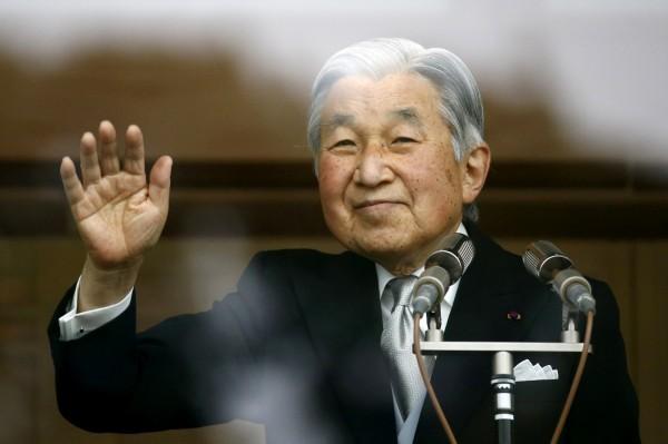 日本明仁天皇透露有意生前退位。(路透)