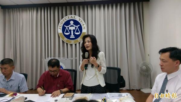 司法院刑事廳長蔡彩貞表示,司法院研擬修改刑事訴訟法,增訂羈押替代方案。(記者項程鎮攝)