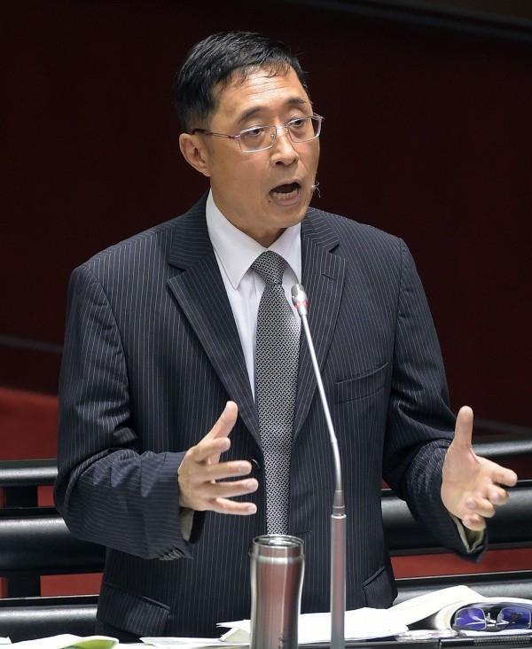 詹森林聽到陳超明表示三民主義是「民有、民治、民享」,有些尷尬。(記者黃耀徵攝)