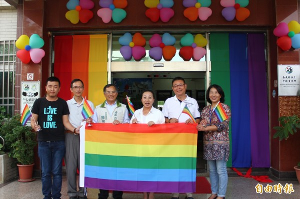 嘉義縣今起開放同性伴侶登記。(記者林宜樟攝)