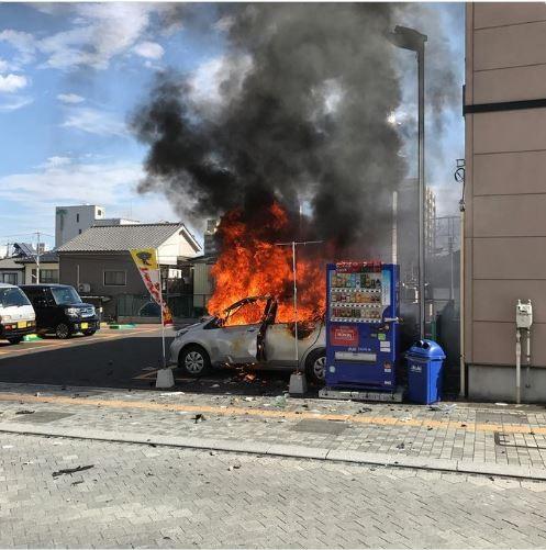 日本栃木縣宇都宮市今(23日)接近中午時發生一起爆炸傷人案,造成1死3傷,警方從死者襪子裡找出疑似遺書的紙張。(圖擷取自推特)