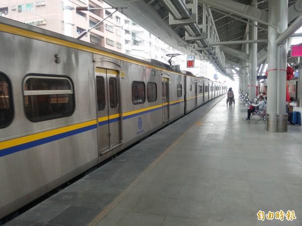 鐵改局將針對台鐵東港線復駛進行可行性評估,圖為台鐵屏東車站。(記者侯承旭攝)