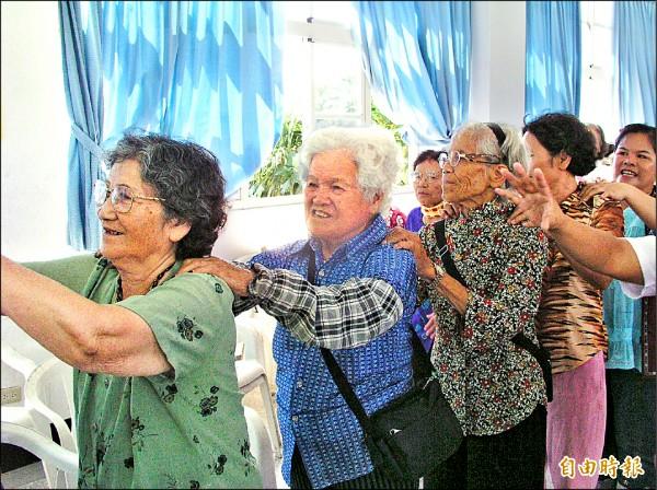 長照2.0政策希望讓老人在社區健康老化。(記者花孟璟攝)