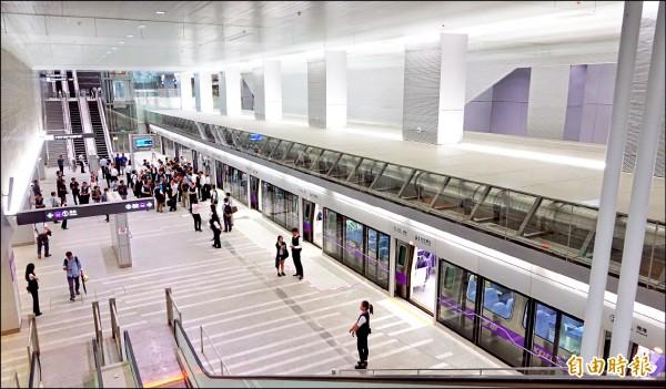 機場捷運A1站直達車月台。 (資料照,記者劉信德攝)