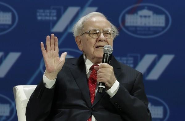 股神巴菲特(Warren Buffett)透露,錢對他一點用都沒有。(法新社)