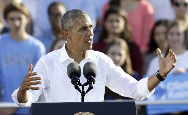 美國總統歐巴馬首次對希拉蕊電郵門,批評FBI在選舉倒數關鍵時刻遭重啟調查。(美聯社)