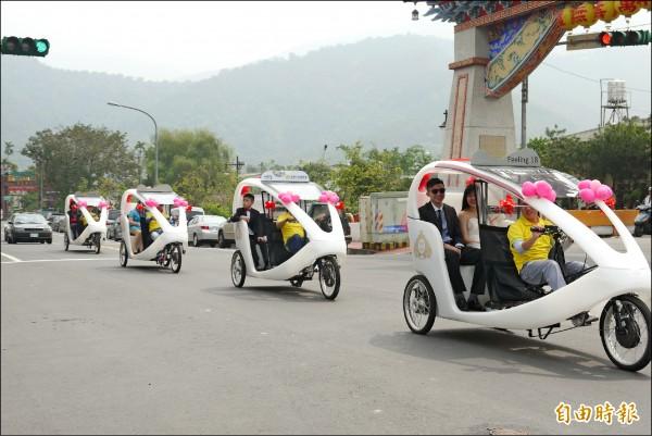 道路交通管理處罰條例修正,在慢車種類增列人力為主、電力為輔的三輪車,能夠合法上路。 (記者佟振國攝)