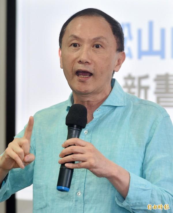 國民黨籍台北市議員李新表示,台灣內部若不形成共識,兩岸關係要往好方向走,無異緣木求魚。(記者廖振輝攝)