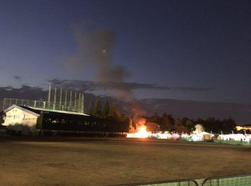 雖然警消人員火速抵達現場滅火,但仍救不回被大火吞噬的5歲男童。(圖擷自twitter)