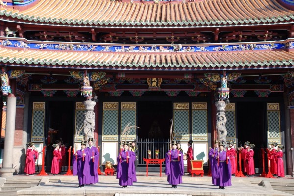 圖為孔廟內部的大成殿。(北市民政局提供)